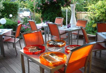 Bonnes tables le jardin gourmand id es romantiques - Le jardin gourmand auxerre ...