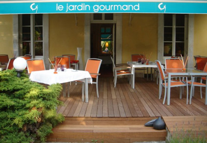 Restaurant romantique le jardin gourmand id es romantiques for Jardin gourmand auxerre